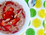 Springtime Strawberry Almond Oatmeal