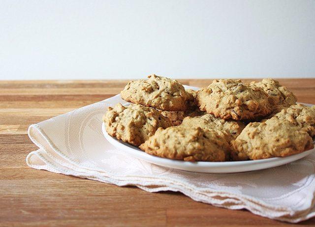Caitlin's Applesauce Raisin Oatmeal Cookies