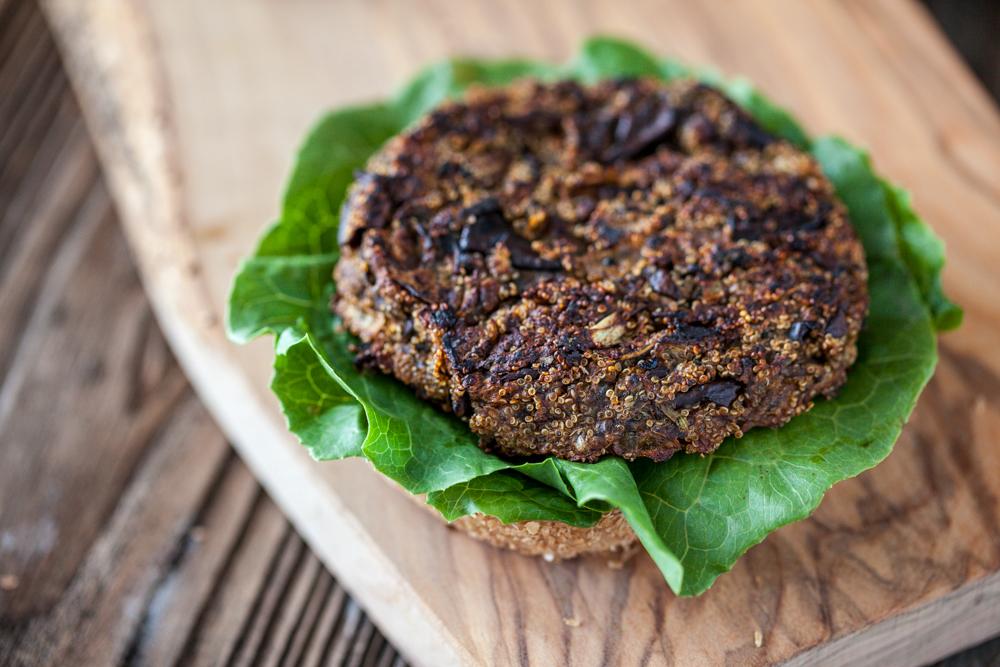 amaranth eggplant burgers with sriracha tahini sauce