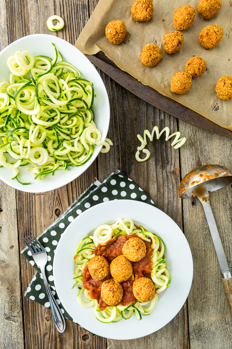 Zucchini pasta with quinoa meatless balls a review of gena zucchini pasta with quinoa meatless balls forumfinder Images