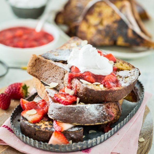 Vanilla French Toast with Strawberry Sauce