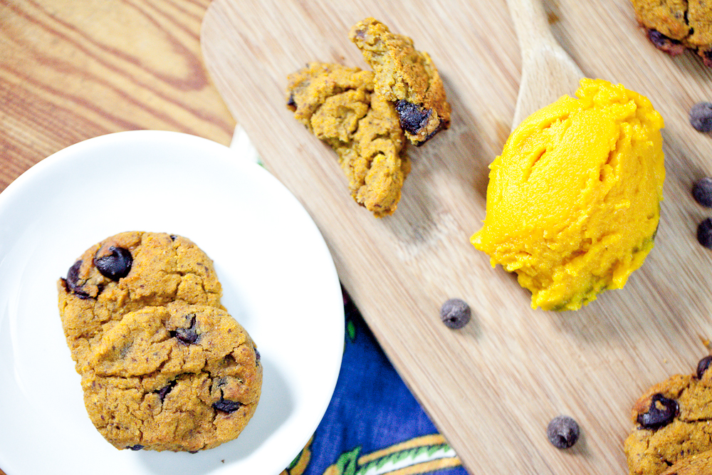 Flourless Pumpkin Chocolate Chip Cookies